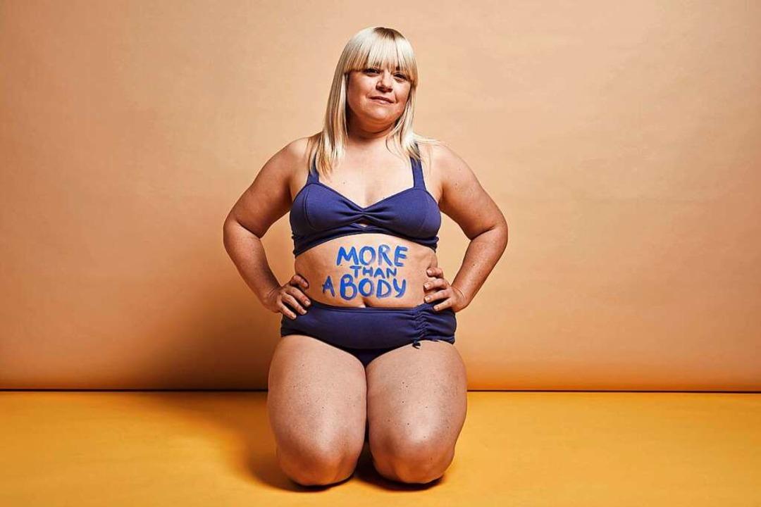 Mehr als nur ein Körper: Melodie Miche... sich heute pudelwohl in ihrem Körper.  | Foto: Julia Marie Werner