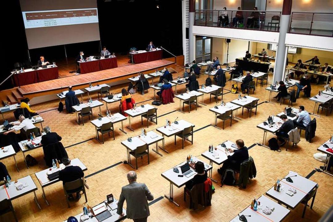 Der Gemeinderat stimmt heute über den Haushalt 2021/22 ab (Symbolbild).  | Foto: Thomas Kunz