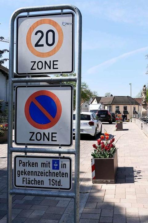 Wie hier in der Tempo-20-Zone auf der ...er Bernhardusbrücke demnächst zugehen.  | Foto: Hans-Peter Müller