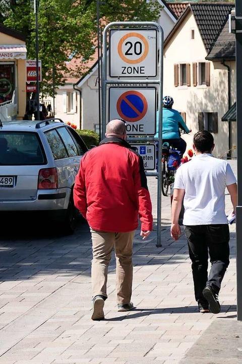 Wie kann man den Verkehrsraum für Fußg...Radfahrer und Autos gerecht verteilen?  | Foto: Hans-Peter Müller