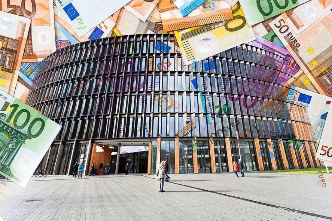 In den Freiburger Rathäuser (hier das ...r) wird mit Milliardensummen hantiert.    Foto: Rita Eggstein/RomanR (stock.adobe.com)