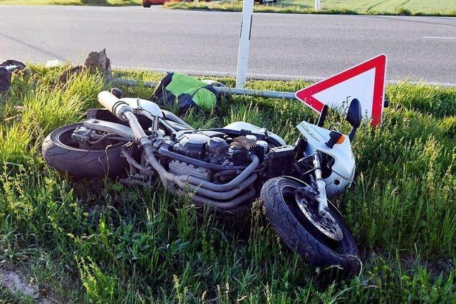 Zwei Verletzte bei Motorradunfall bei Kürzell