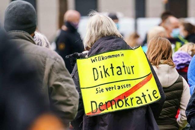 Bundesverfassungsschutz beobachtet Teile der Querdenker-Szene