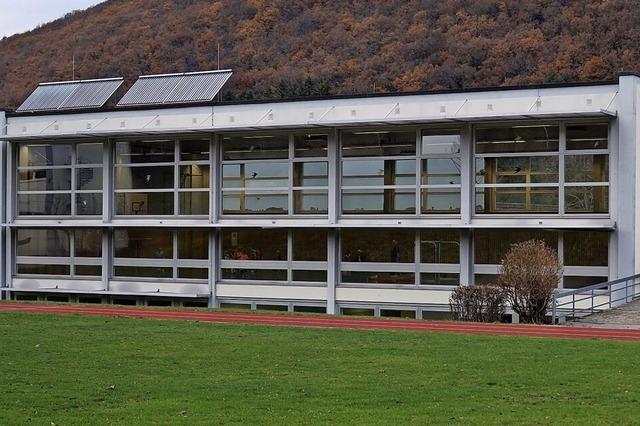 Sporthallendach für Solarstrom geeignet