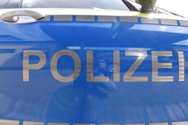 Frau überfährt mit 2,3 Promille ein Verkehrszeichen in Grenzach-Wyhlen