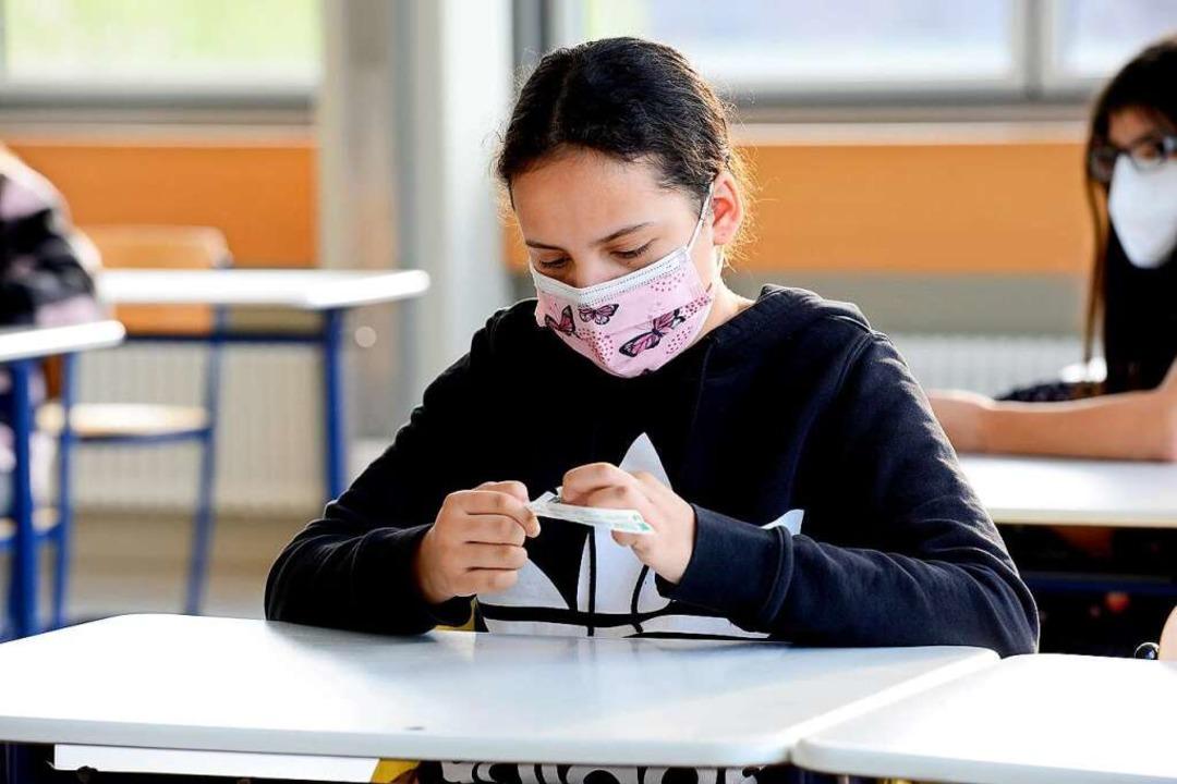 Lolli-Test am Droste-Hülshoff-Gymnasium in Freiburg.  | Foto: Ingo Schneider