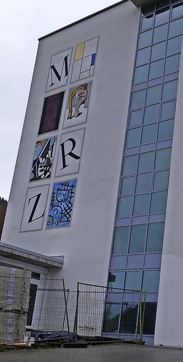 Im Rahmen liegt weiterhin die Sanierung der Zeller Realschule.  | Foto: Sarah Trinler