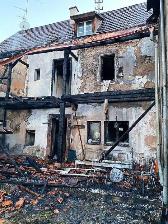Das brandgeschädigte Haus    Foto: Günter Lenke