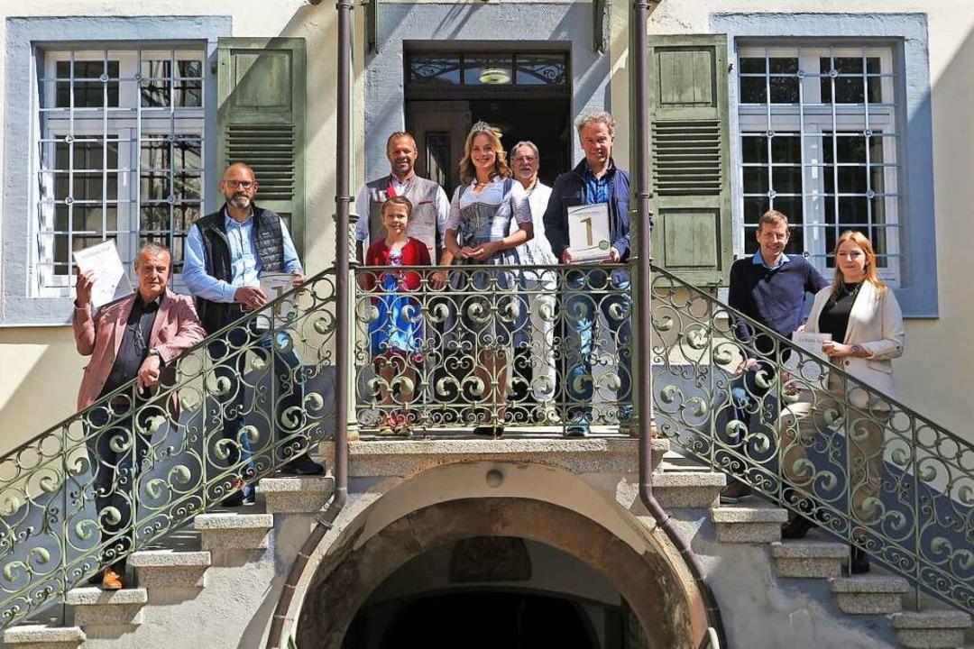 Siegerfoto mit der Markgräfler Weinpri...e des Markgräfler Museums in Müllheim.  | Foto: Markgräfler Wein e.V.