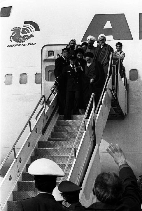 Der iranische Revolutionsführer Ayatol... Frankreich in den Iran zurückbrachte.    Foto: GABRIEL DUVAL