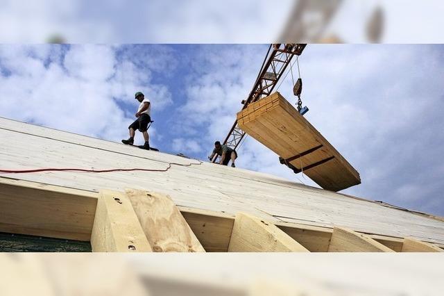 Bauarbeiten in luftiger Höhe