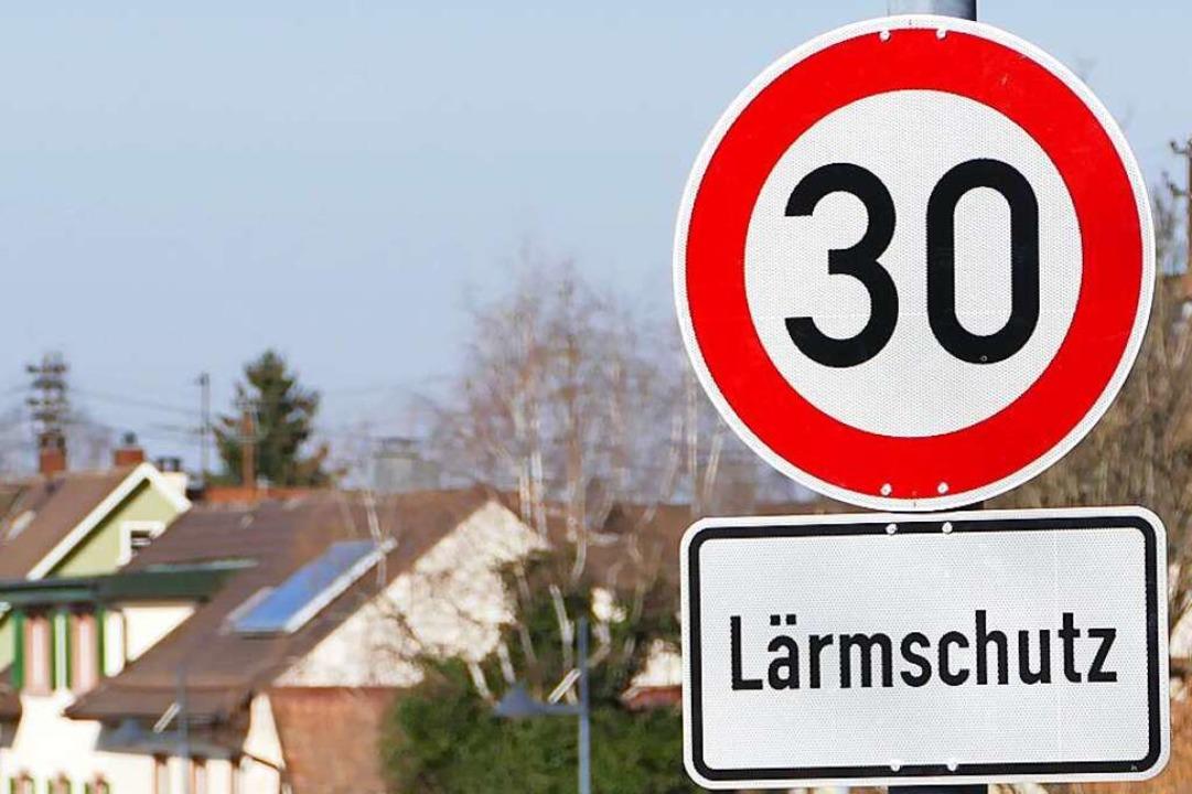 Bislang nur ein Wunsch: Tempo 30 durch...nd nachts in Grezhausen. (Symbolbild).  | Foto: Victoria Langelott