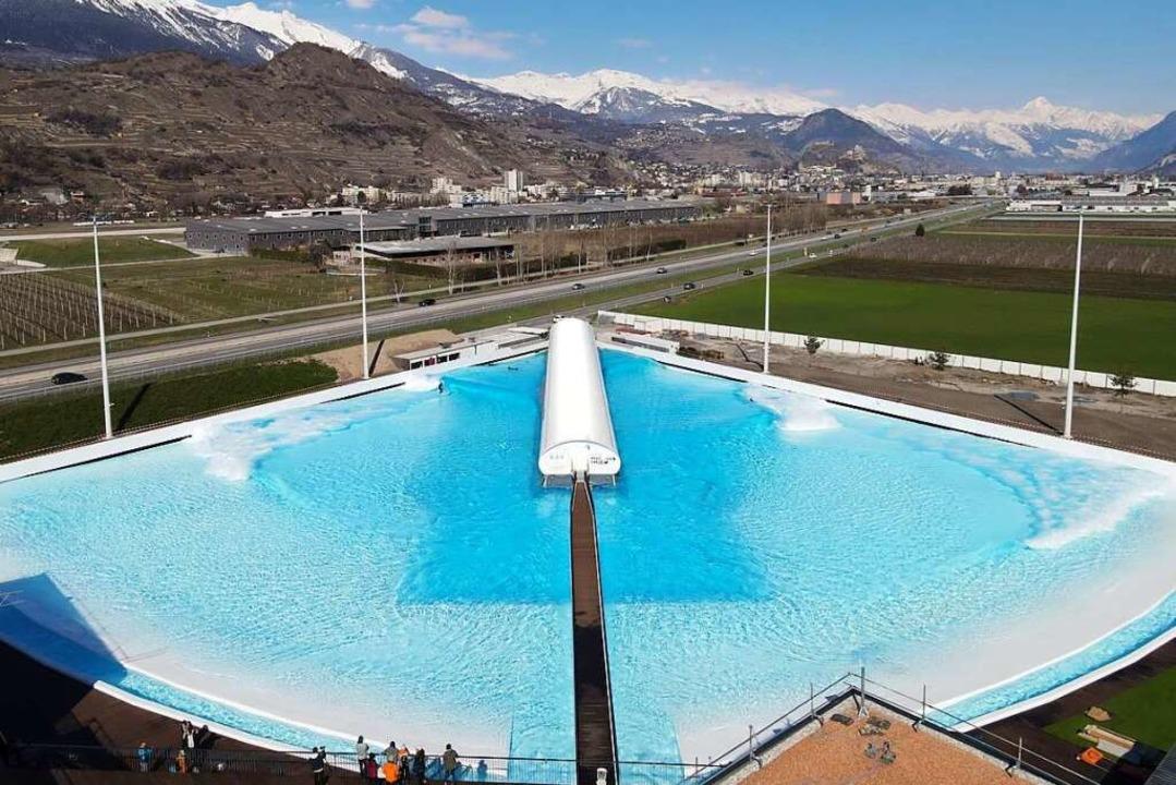 Das 8300 Quadratmeter große Becken   | Foto: privat