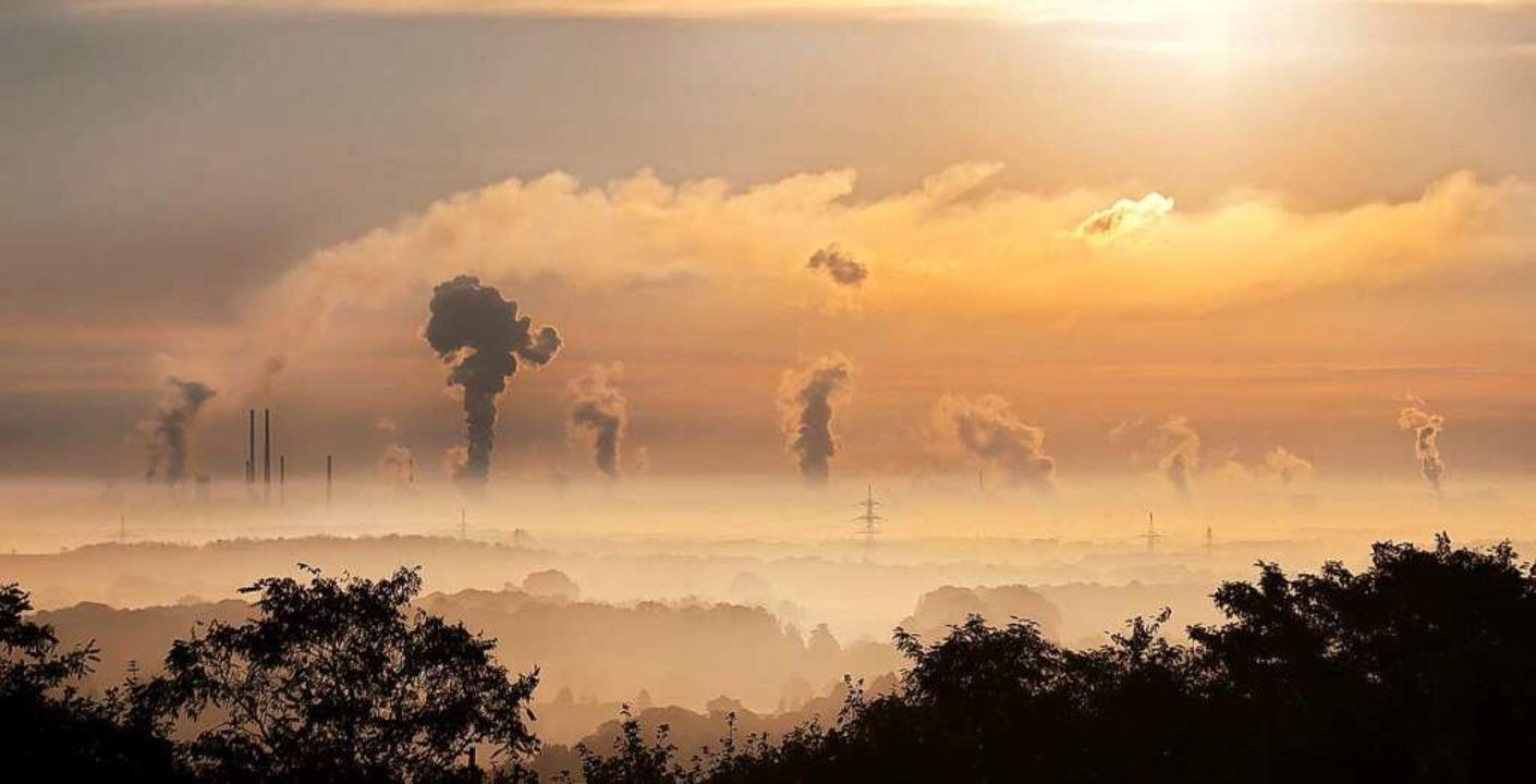 Um den Klimawandel einzugrenzen bedarf...eduktion der Kohlendioxid-Emissionen.     Foto: OHB SE (dpa)