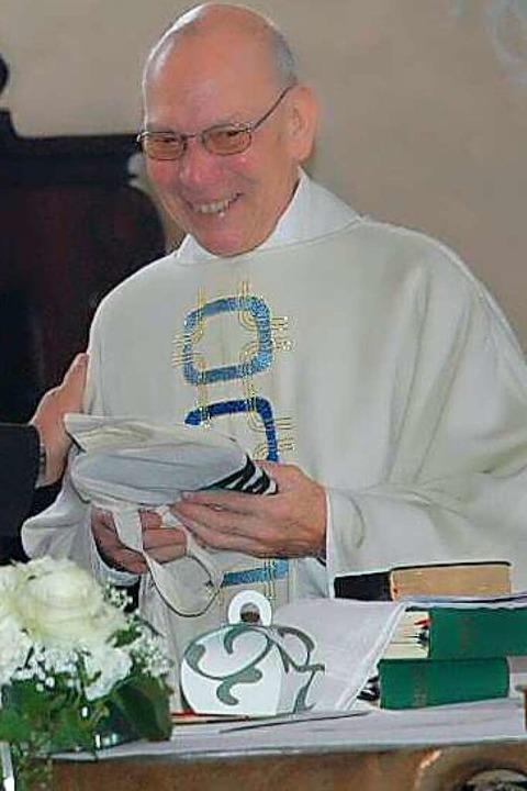 Pfarrer Wolfgang Kirsten im Jahr 2009,...in goldenes Priesterjubiläum feierte.     Foto: Brigitte Chymo