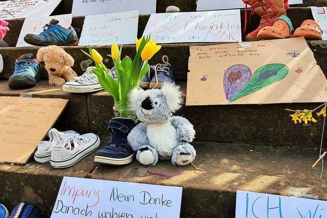 Rätin verteidigt Corona-Protest mit Kinderschuhen in Ettenheim