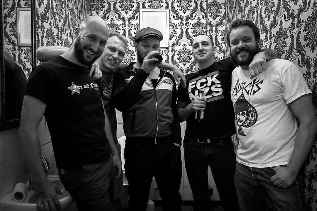 Adrian, Jakob, Niklas, Daniel, Jörg (v...ks nach rechts) sind Enraged Minority.  | Foto: Sévérine Kpoti