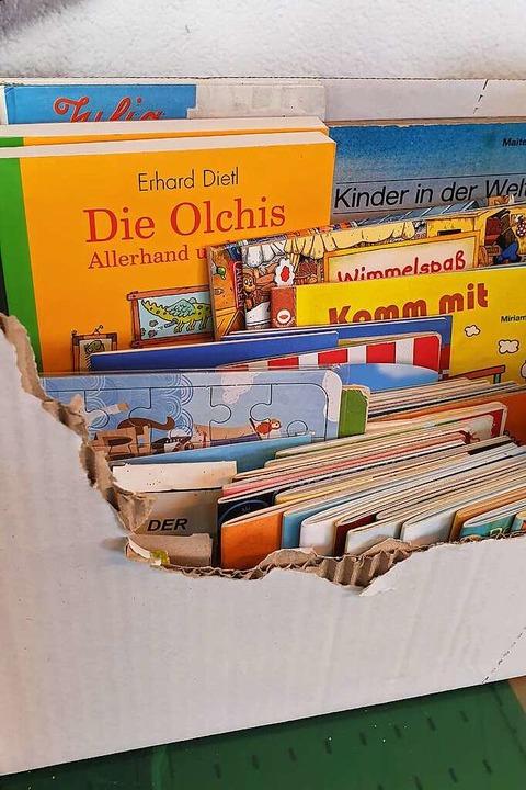 Verkauft werden Lebensmittel, aber auch Kinderbücher oder kleines Spielzeug.    Foto: Theresa Steudel