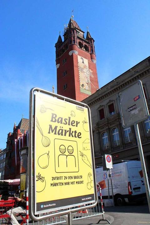 Wer auf die Märkte in Basel will, muss eine Maske tragen.  | Foto: Annika Sindlinger