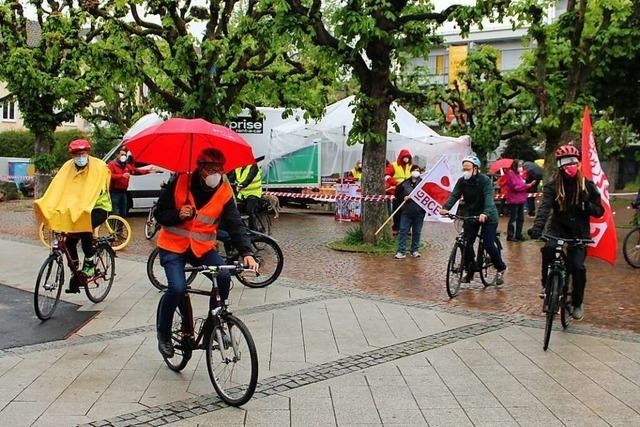 Gewerkschafter fordern bei Kundgebung in Rheinfelden bezahlbaren Wohnraum