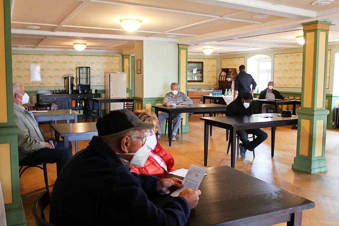 Im benachbarten Jugendstilsaal können die Geimpften warten.  | Foto: Erich Krieger