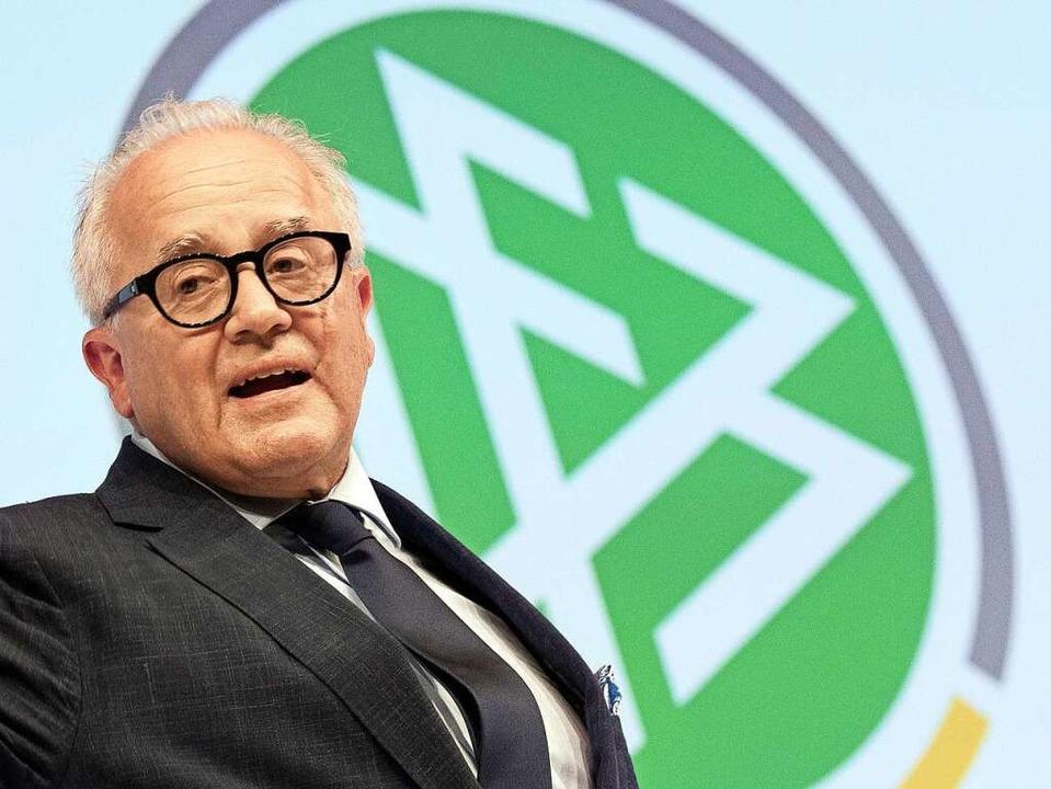 Wie lange ist Fritz Keller noch Präsident des Deutschen Fußball-Bundes?  | Foto: Boris Roessler (dpa)