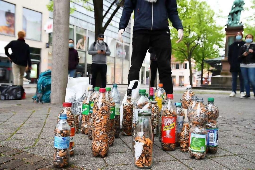 Eingesammelte Zigarettenstummel in Offenburg  | Foto: Zweierpasch