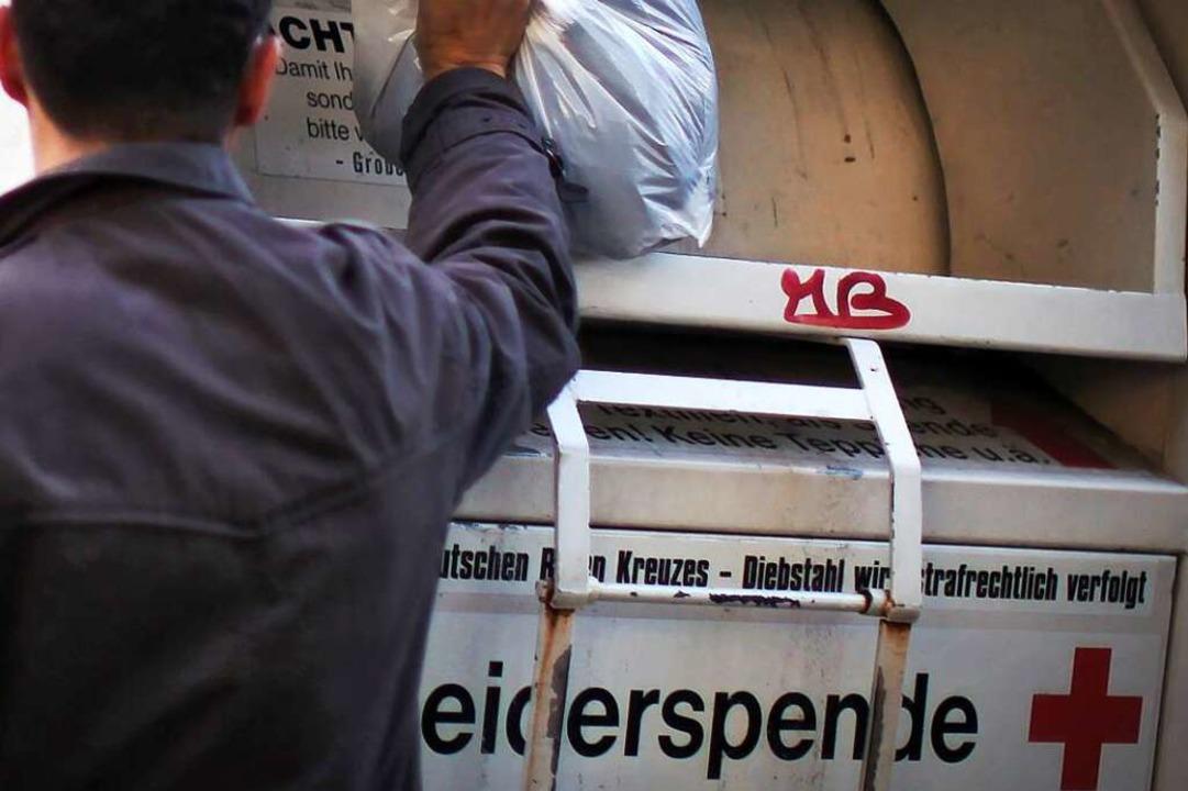 Diebe haben in Schönau Altkleider geklaut (Symbolfoto).  | Foto: Verwendung weltweit, usage worldwide