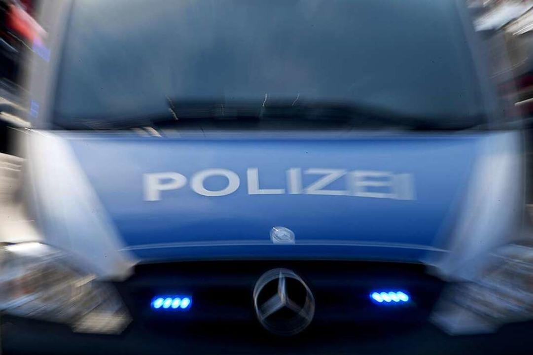 Keinen Führerschein und1,6 Promille At...Autofahrer nach einer Verfolgungsjagd.  | Foto: Carsten Rehder (dpa)