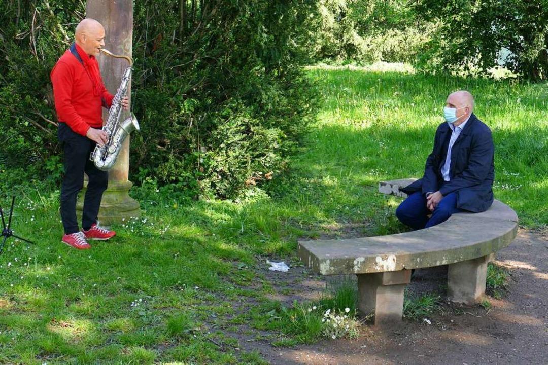 Livemusik im kleinstmöglichen Rahmen, ...ter Stefan Schlatterer eine Kostprobe.  | Foto: Michael Sträter