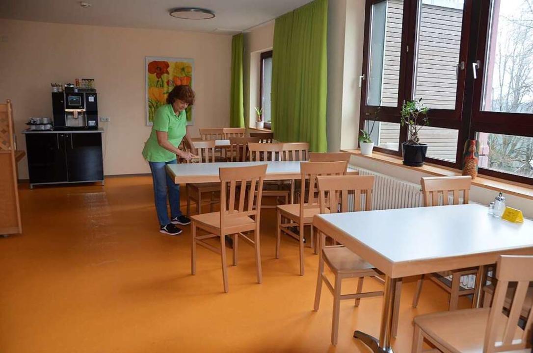 In weitem Abstand stehen die Tische im...sesaal, Hygiene hat oberste Priorität.  | Foto: Christiane Sahli