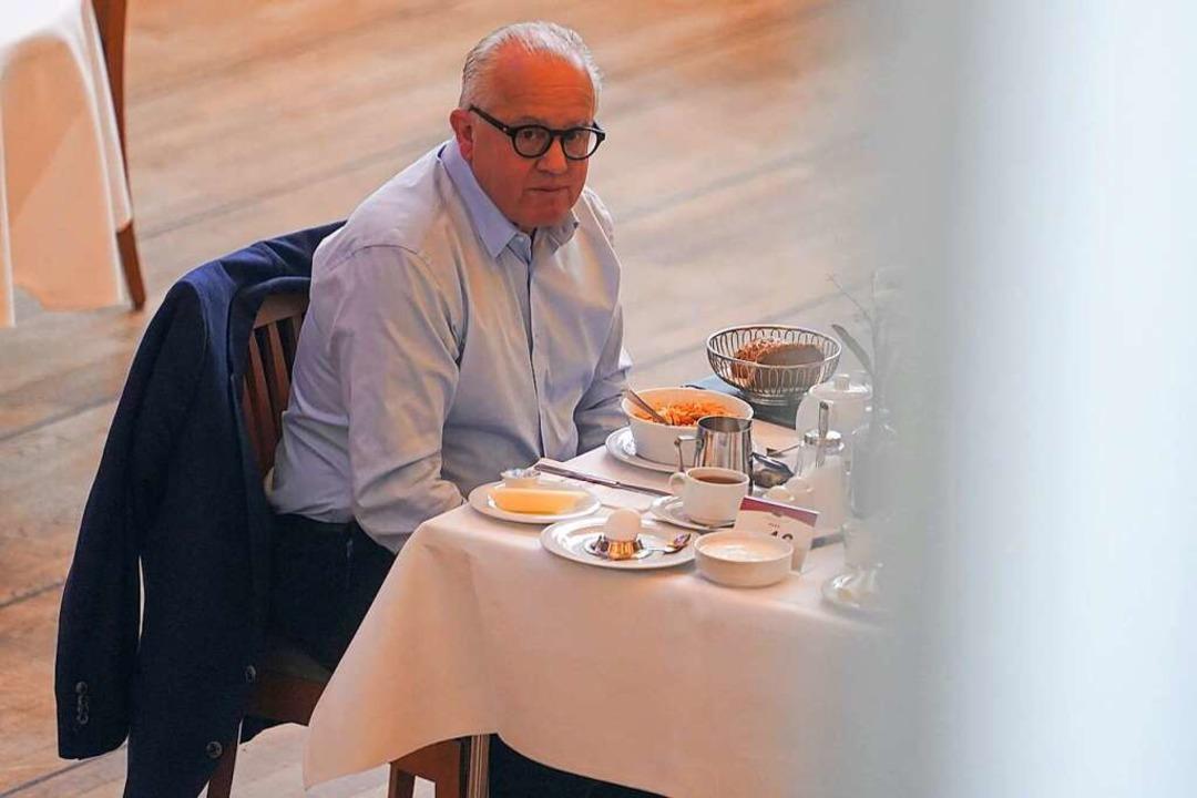 Es scheint einsam geworden zu sein um ...ller (hier beim Frühstück in Potsdam).  | Foto: Jörg Carstensen (dpa)