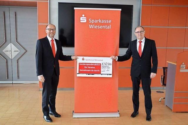 Sparkasse Wiesental verteilt 42.500 Euro Spenden an 54 Vereine aus dem Wiesental