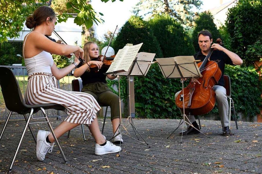 Ob es im Sommer wieder Livekultur gebe...tlich, meint BZ-Redakteur Peter Disch.  | Foto: Thomas Kunz