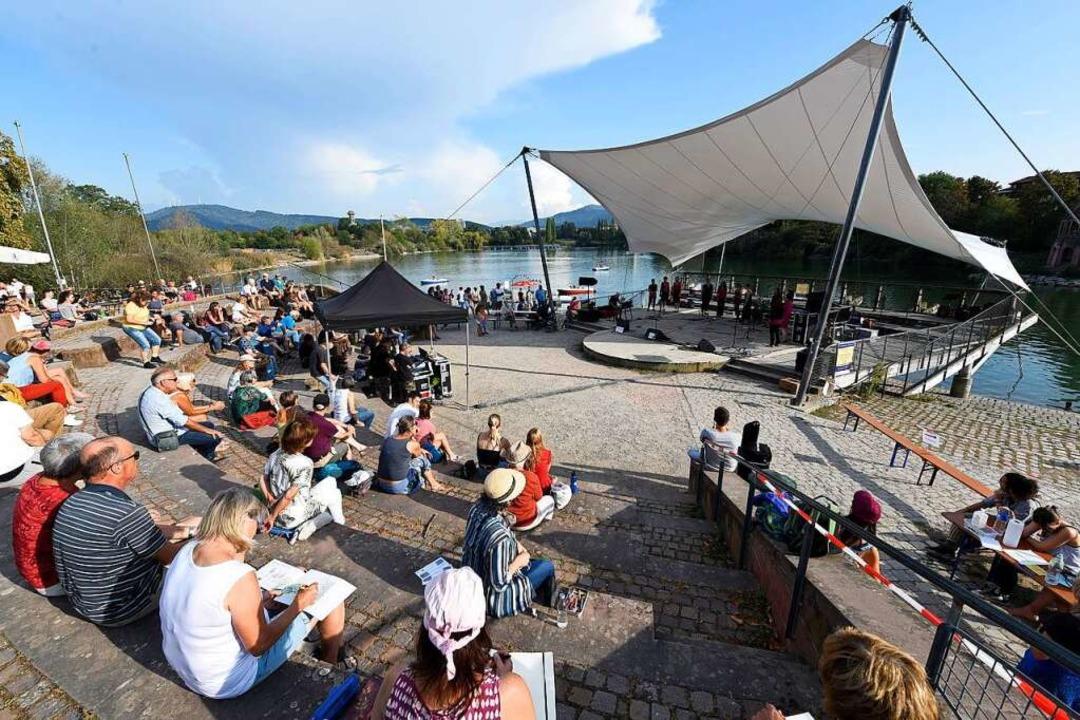 2020 fand das Festival an acht verschi...Freiburg statt, wie hier am Seepark...  | Foto: Thomas Kunz