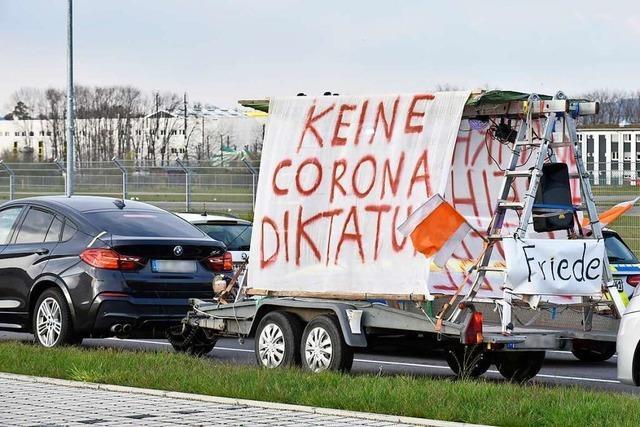 Erstmals Corona-Korso in Lörrach mit 33 Autos – Polizei zeigt Teilnehmer an
