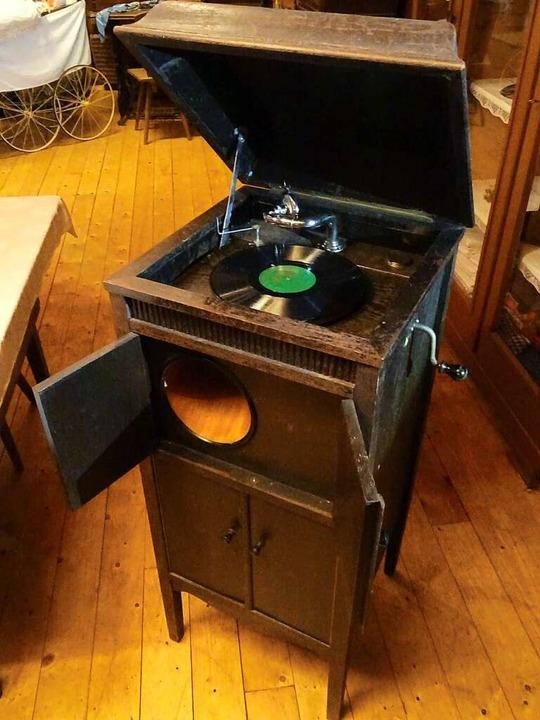 Das Reichenbacher Grammophon-Exemplar ...100 Jahre alt – und spielt noch.  | Foto: Edgar Baßler