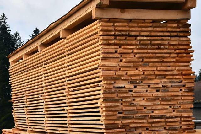 Wie gehen Handwerker mit den hohen Holzpreisen um?