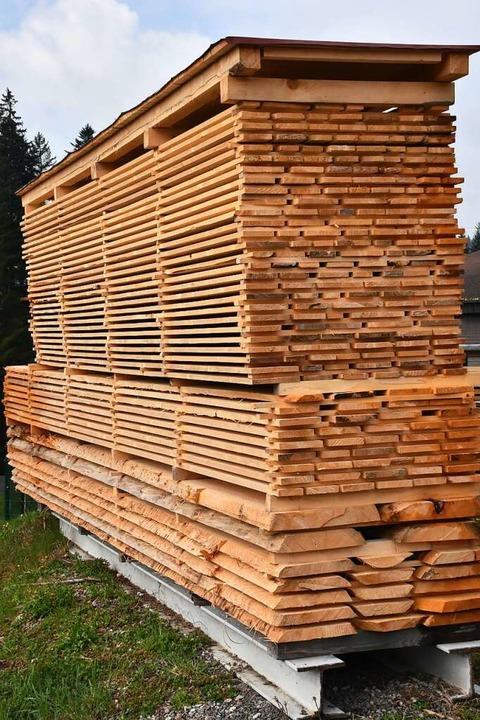 Holz ist seit Beginn des Jahres knapp ...n und Schreinereien, hier Schnittholz.  | Foto: Thomas Biniossek