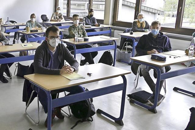 Mit Deutsch geht's los: 124 Schüler schreiben in Titisee-Neustadt ihr Abitur