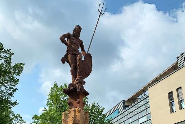 Der Offenburger Neptunbrunnen ist wieder dicht