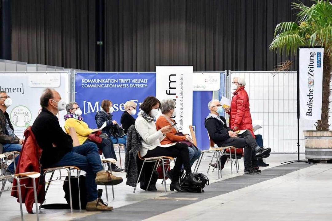 Das Zentrale Impfzentrum in der Messe ...r hohen Impfquote in Stadt und Region.  | Foto: Thomas Kunz
