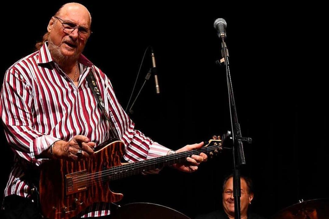 Der Meister des Intros an seiner Singl...ropper bei einem Benefiz-Konzert 2016.  | Foto: imago stock&people