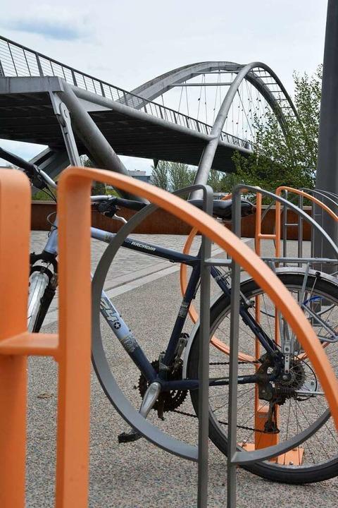 Abstellplätze für Radler  | Foto: Hannes Lauber