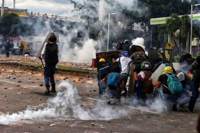 Tote und Verletzte bei Protesten in Kolumbien