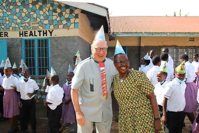Der Pfarrer und Mitgründer eines Kinderheims in Afrika Willy Schneider wird 80 Jahre alt