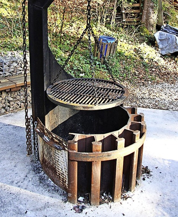 Der  neue Grill hat einen engen Bezug ...materialien wurden beim Bau verwendet.  | Foto:
