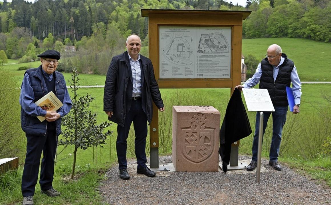 Bernd Kellner, Oberbürgermeister Stefa...schen Grenzsteins im Tennenbacher Tal.    Foto: Benedikt Sommer