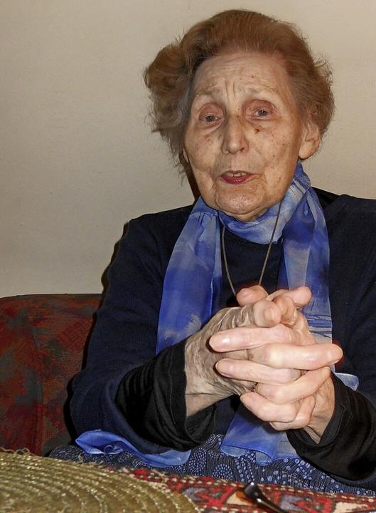 Ingeborg Hecht in ihrer Wohnung in Freiburg im April 2010  | Foto: Heinz Setzer