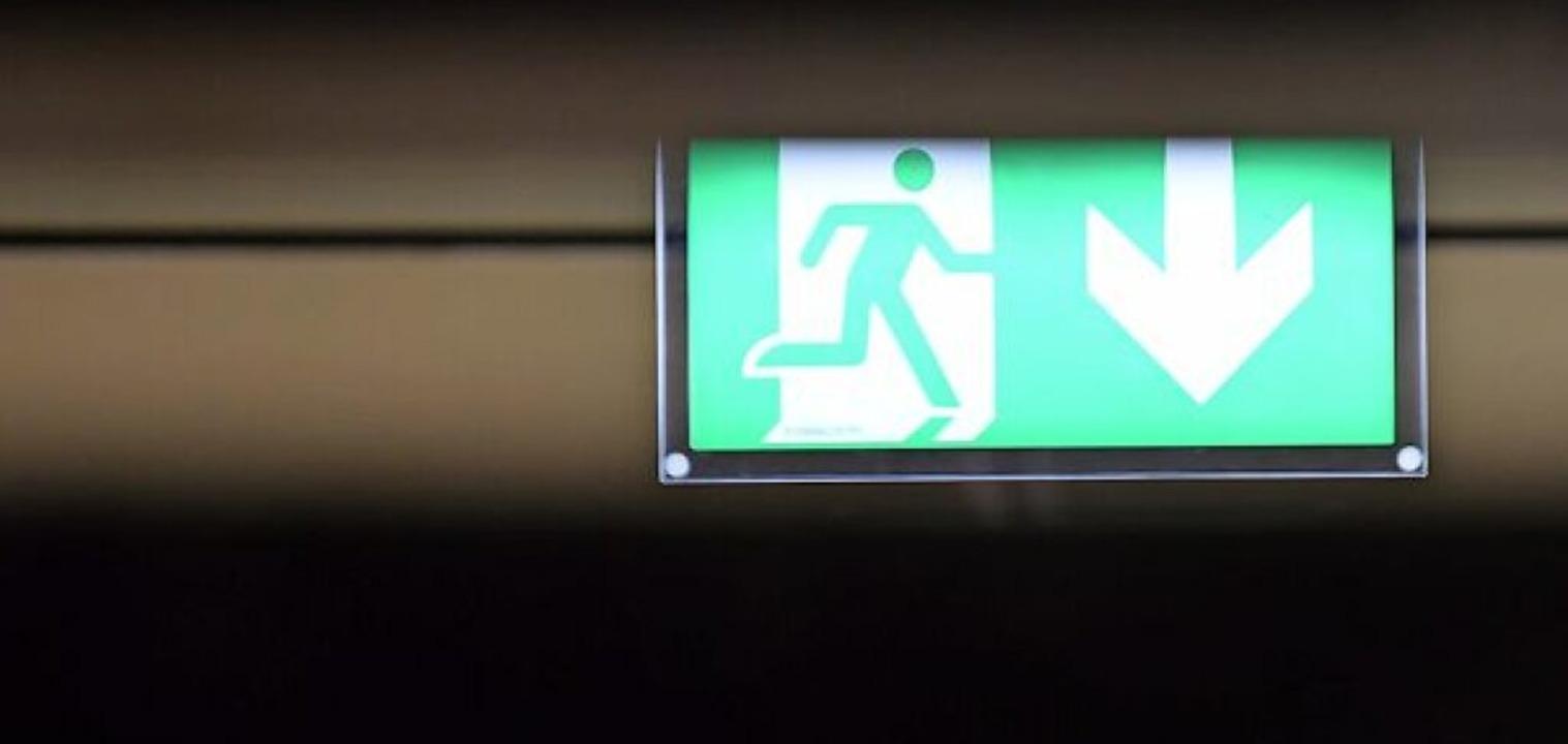 Bei den geforderten Nachbesserungen ge...em auch um die Fluchtwege-Beleuchtung.  | Foto: Jonas Hirt